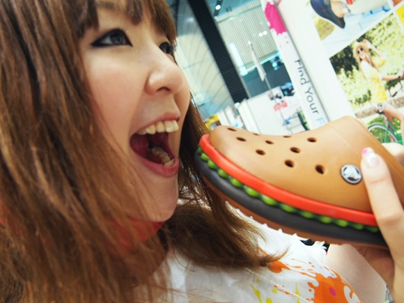 crocband-hamburger-clog (9)