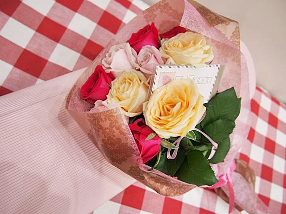 イイハナの花束レターローズはバラにメッセージで誕生日プレゼント人気No.1
