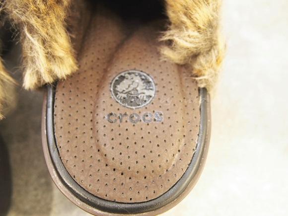 crocs-cobbler-fuzz-clog (21)