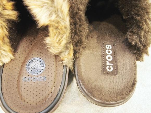 crocs-cobbler-fuzz-clog (25)