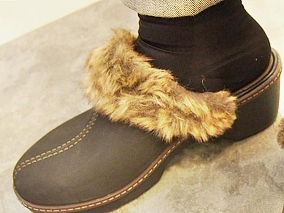 crocs-cobbler-fuzz-clog (34)