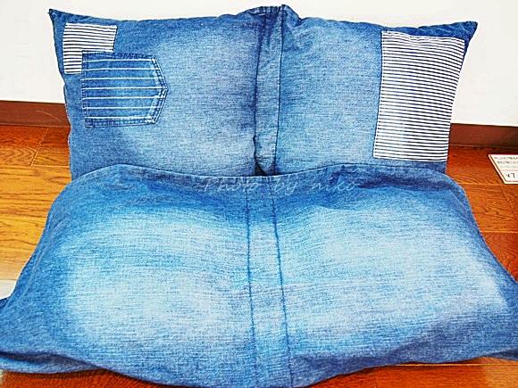 デニムクッションカバー1つでローソファにもベッドにもなるフェリシモ感覚