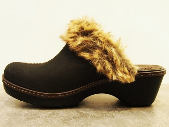 crocs-cobbler-fuzz-clog (14)