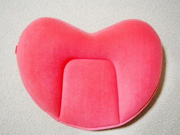 dhc-diet-heart-cushion (8)