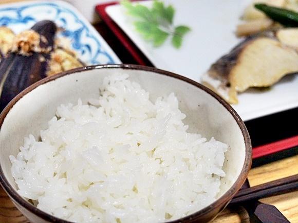 無洗米 南魚沼産コシヒカリを食べた感想!味がよく栄養が高い